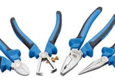 070220004 S8200 JC Набор инструментов 4 предмета (съемник изоляции, острогубцы, пассатижи силовые, б